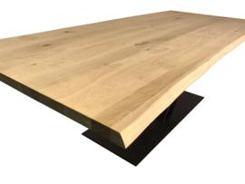 Boomstamtafel eiken Twinline naturel met stalen V onderstel koker 12x6cm