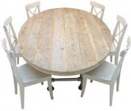 Ovale tafel met steigerbuis onderstel en steigerhouten blad oud