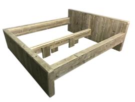 Tweepersoonsbed steigerhout blok bed met verhoogd hoofdeind en rand van 10cm(BL)