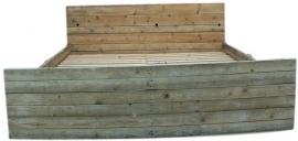 Tweepersoonsbed gemaakt van sloophout div maten (SLPH)
