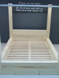 Tweepersoons hemel bed van steigerhout en steigerbuis (HMB)