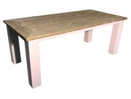 Tafel gemaakt van oud steigerhout en whitewash blokpoten afm: L200xB90cm (voorraad magazijn artikel)