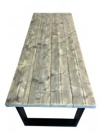 Tafel oude dikke steigerplanken en een stalen onderstel (Chantal)