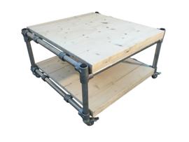Salontafel van nieuw steigerhout & steigerbuis afm: L100xB100xH46cm (voorraad magazijn artikel)