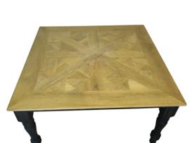 Eiken vierkante tafel mozaiek vorm en Queen Anne poten