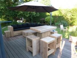 Statafel & 4 krukken van steigerhout ( SET)
