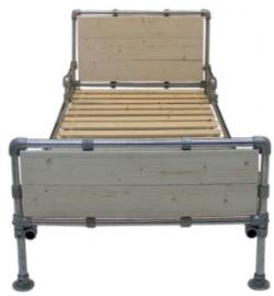 1-eenpersoonsbed van steigerbuis & nieuw steigerhout (STB)