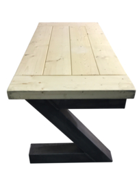 Industriële tafel stalen Z onderstel en een blad van 7cm dikke vuren balken