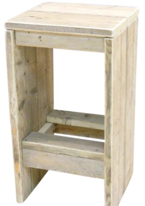 Barkruk van gebruikt steigerhout