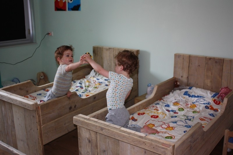 Fam. Schuffelers-Bron - Juniorbed van oud steigerhout