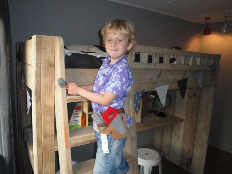 1e plaats: familie Gouman - met de hoogslaper van oud steigerhout