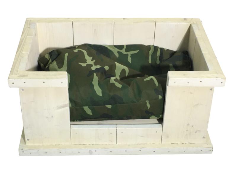 Hondenmand van steigerhout behandeld met whitewash afm: L83xB53xH40cm (voorraad magazijn artikel)