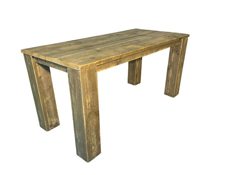 Montage bij een tafel