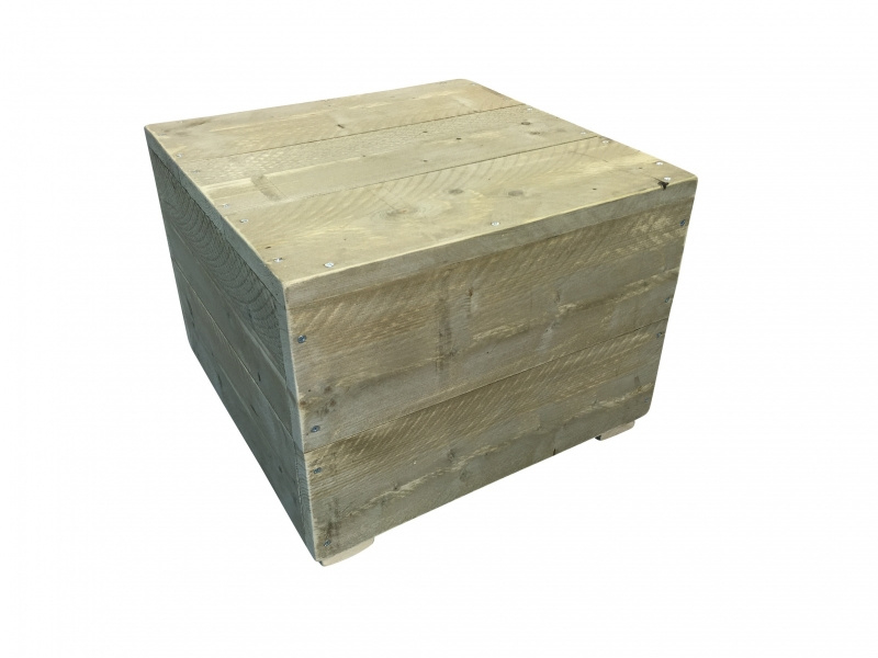 Hocker van oud steigerhout afm: L80xB60xH45cm (voorraad magazijn artikel)