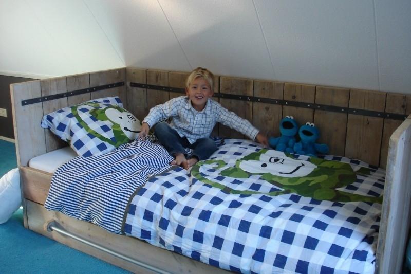 Christel Scholte Lubberink - bedstede/bedbank van oud steigerhout