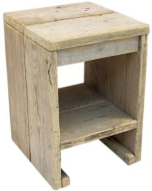 Krukje/nachtkastje van oud gebruikt steigerhout afm: B36xD38xH52cm