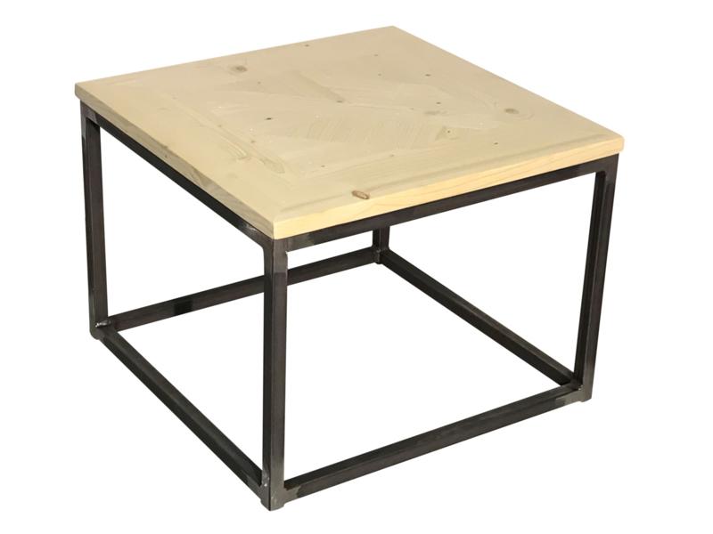 Salontafel nieuw steigerhout blad mozaiek met een buisframe onderstel afm: L60xB60xH46cm (voorraad magazijn artikel)
