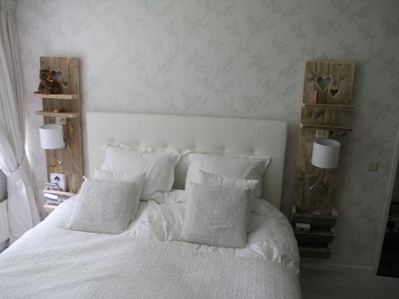 Staand wanddecoratiebord met hartjes van oud steigerhout (voorraad)