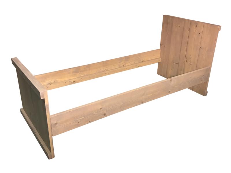 Bed van nieuw steigerhout: L200xB70cm (voorraad magazijn artikel)