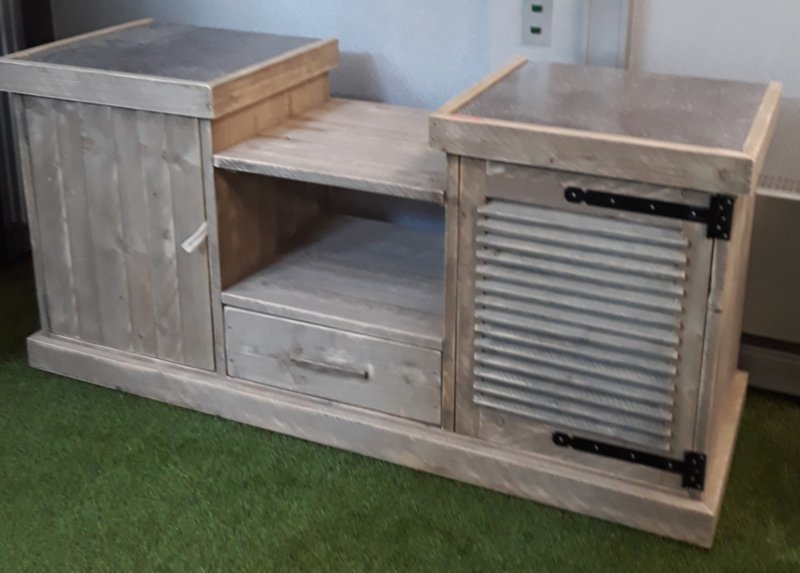 Buitenkeuken steigerhout met hardsteen aanrecht ( voorraad magazijn artikel)