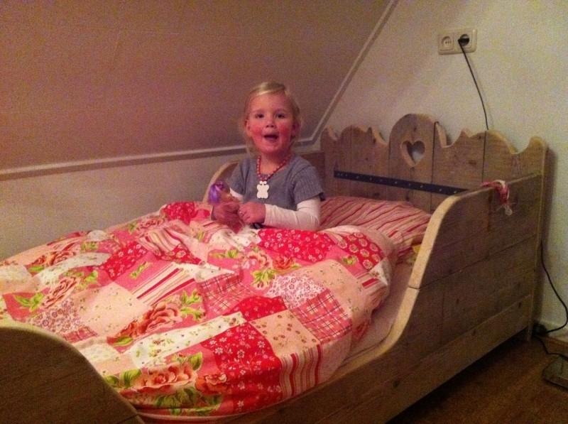 Zara in haar nieuwe bedje!