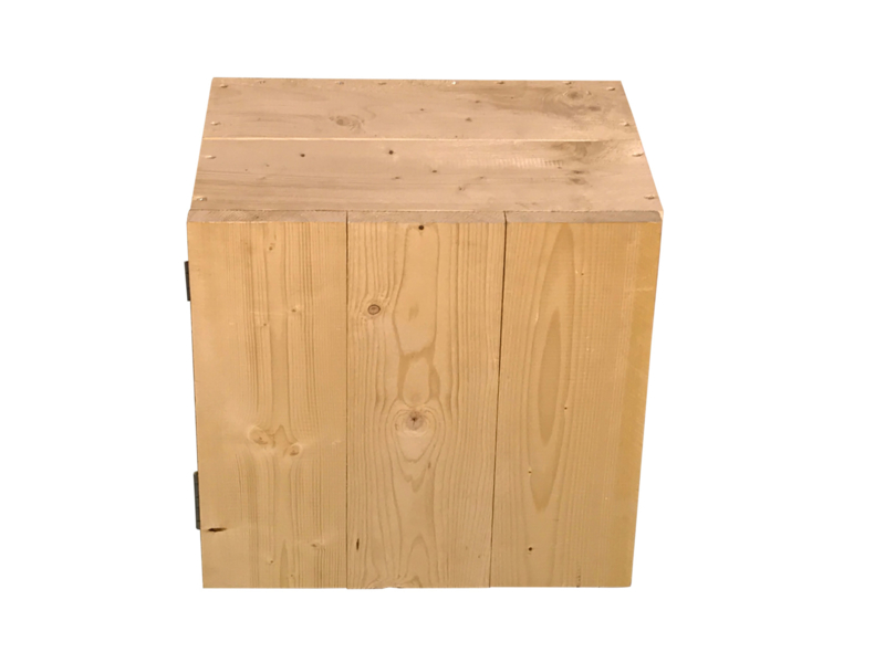 Nachtkastje met deurtje en 1 schap van nieuw steigerhout