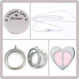 "Floating locket - ketting ""A mother's love is forever"""
