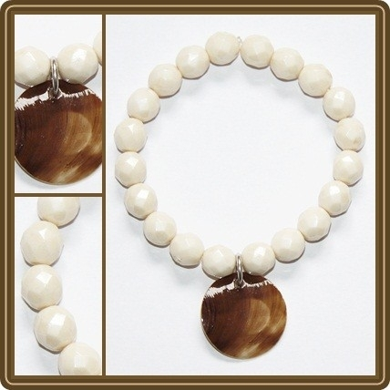 Naturel glass beads