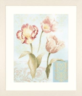 lanarte home & garden cross stitch borduurpakket Tulips and ornaments 39x49cm 35006