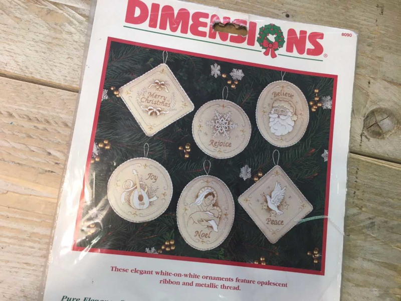 Dimensions Pure Elegance Ornaments set 6 st. 8090