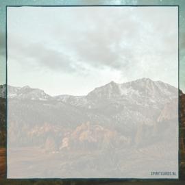 Ik sla mijn ogen op naar de bergen
