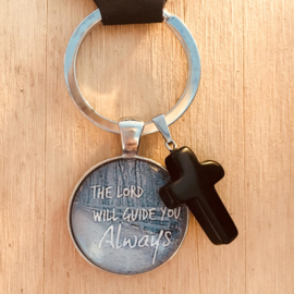 Ronde sleutelhanger met kruisje 'The Lord will guide you Always'