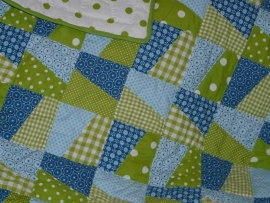 Boxkleed/ quilt blauw-lime