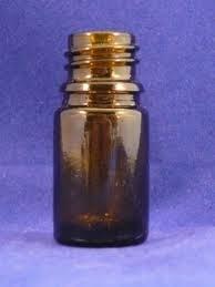 Bruine glazen flesjes, 5 ml. met kindveilige druppeldop