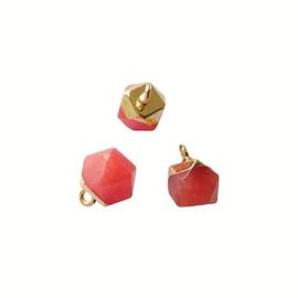 Rode Jade Edelsteen Bedel Facet Cube Goud