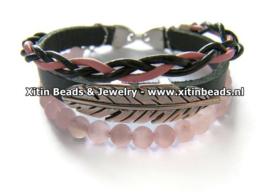 Xitin Lederen Armband Rozenkwarts, Zwart/Roze met Veer en Kralen