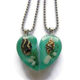 2 kettingen met schelp hangers hartvorm aan RVS ball chain ketting