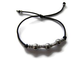 Xitin armband metalen kralen zwart