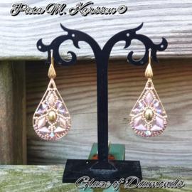"""Gratis """"Glaze of Diamonds""""Oorbellen Patroon van Pieta M. Karssen bij aankoop van 2 zakjes kralen"""