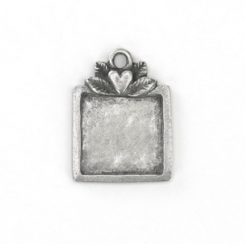 Artisian Square Green Girl Pewter
