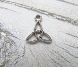 Bedel Celtic Knot Triquetra