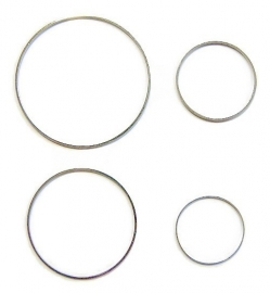 Ring 2,5 cm diameter ZILVERKLEURIG