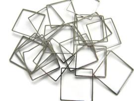 VOORDEELVERPAKKING 50 stuks Ring Vierkant 2 cm diameter ZILVERKLEURIG