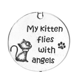 "Hanger Tekst: ""My kitten flies with angels"""