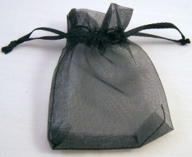 Organza zakjes zwart 8x7cm