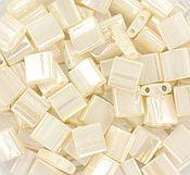 TL5-592 Miyuki TILA Ceylon Antique Ivory Pearl 5x5mm