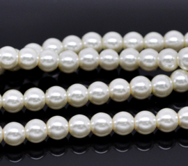 Glasparel Ivory 8mm (Per streng)