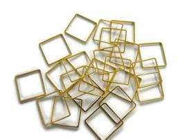 VOORDEELVERPAKKING 20 stuks Ring Vierkant 3 cm diameter GOUDKLEURIG