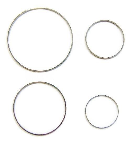 Ring 3 cm diameter ZILVERKLEURIG