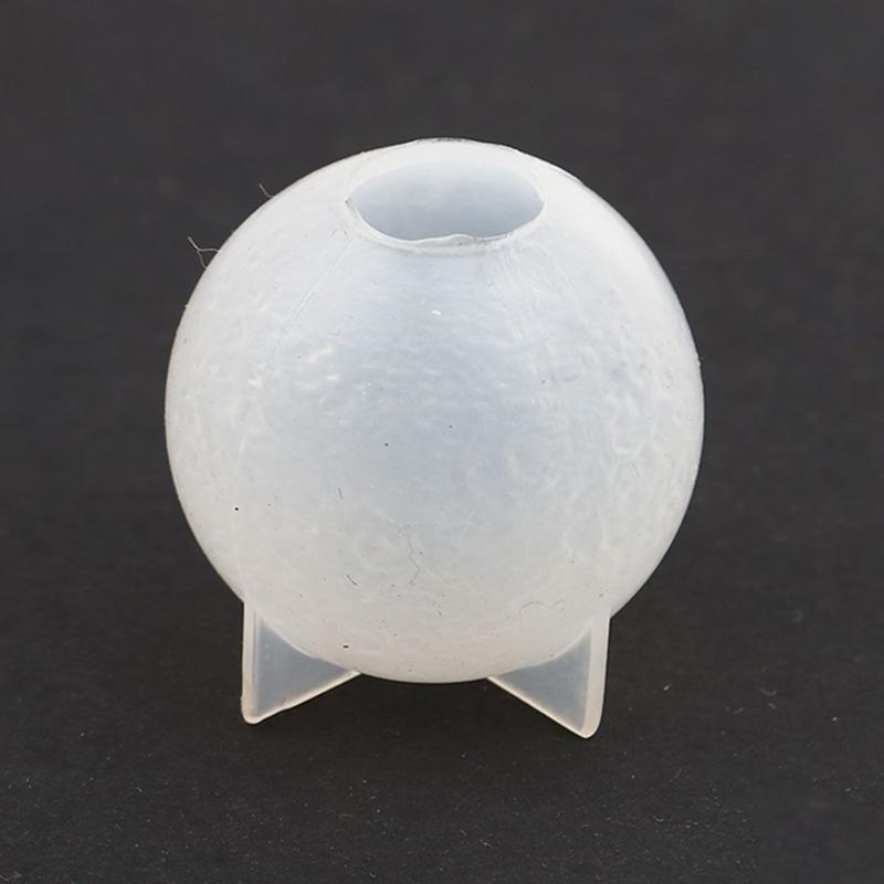 Mal voor ruw uitziende ronde bal van ca 2,6cm diameter